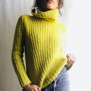 Banana Republic chunky turtle neck sweater
